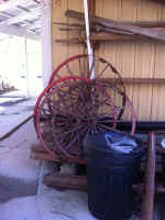 wagon wheels.jpg (85548 bytes)