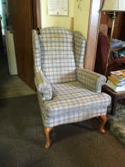 wing chair.jpg (160828 bytes)