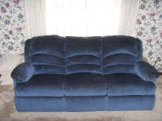 3 Cushion Sofa.JPG (67986 bytes)