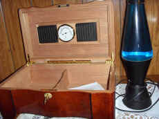Thomas Reproduction Radio.JPG (72310 bytes)