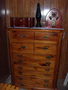 knotty pine chest.JPG (64643 bytes)