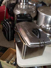 small appliances.jpg (72987 bytes)